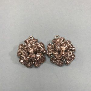 Betsey Johnson charm flower